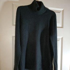 Ellen Tracy  100% cashmere  turtleneck sweater